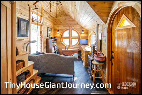 Tiny-House Giant-Journey